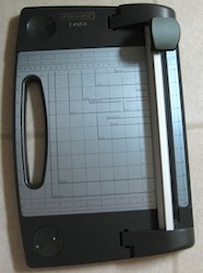 Rotary trimmer used for scrapbook and card making